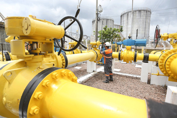 Gás natural atrai interesse de gigantes